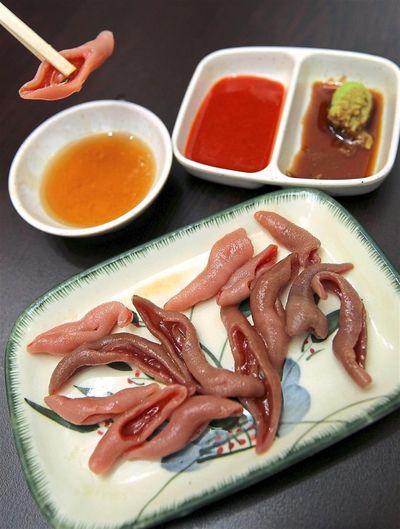 Kỳ dị món ăn giống bộ phận nhạy cảm của đàn ông khiến người Hàn Quốc vô cùng thích thú - ảnh 1