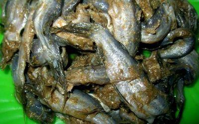 """Mắm bò hóc nặng mùi nhưng rất """"đưa cơm"""" của người Khmer ở miền Tây Nam bộ - ảnh 1"""