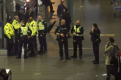 Hà Lan: Sân bay náo loạn vì báo động không tặc - ảnh 1