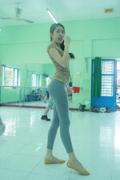 Thủy Tiên bị chấn thương khi đang tập vũ đạo - ảnh 1