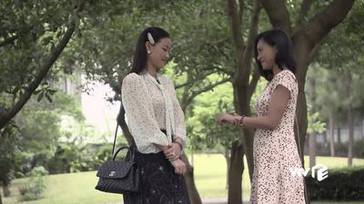 Phim Về nhà đi con ngoại truyện tập 5 (tập cuối): Thư tiếp tục mang bầu, Quốc quỳ gối cầu hôn Huệ - ảnh 1