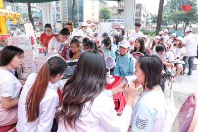 Hành trình từ thiện xuyên Việt của những con người giàu tình yêu thương - ảnh 1