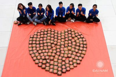 Tấm bánh nghĩa tình ĐH Đại Nam mùa 8: Hoàn thiện nhân cách cho sinh viên từ những hoạt động thiện nguyện - ảnh 1