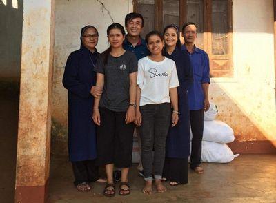 Hiệu trưởng cùng 7 người thân rủ nhau đăng ký hiến tạng để sự sống được tiếp nối - ảnh 1