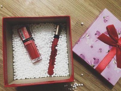 Quà tặng 20/10: Tặng quà gì cho nữ đồng nghiệp để không bị từ chối - ảnh 1