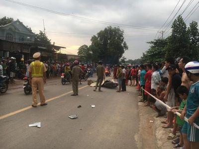 Tai nạn liên hoàn giữa 3 xe máy, 4 người thương vong - ảnh 1
