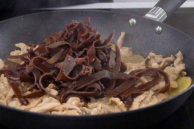 Thịt gà đem nấu theo cách này đảm bảo ngon, lạ miệng và không bị ngấy - ảnh 1