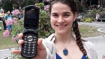 """Tin tức đời sống mới nhất ngày 8/10/2019: """"Rời xa"""" smartphone 1 năm, cô gái sắp được thưởng 2,3 tỷ đồng - ảnh 1"""