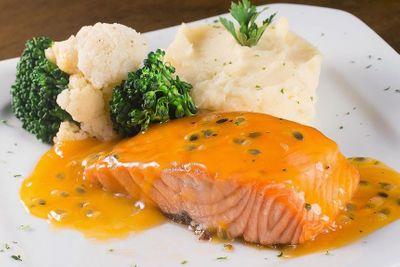 """Cá hồi chế biến theo cách này mới gọi là """"cực phẩm"""", ăn hoài không chán - ảnh 1"""