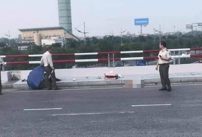 Phóng xe vào cảng hàng không Nội Bài, 2 người phụ nữ thương vong - ảnh 1