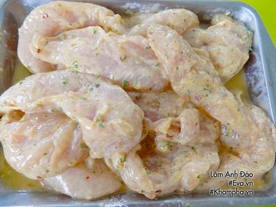 Không cần luộc hay rang, thịt gà chế biến theo cách này chinh phục cả người khó ăn nhất - ảnh 1