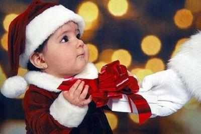 Chọn quà Giáng sinh cho bé yêu theo độ tuổi vừa ý nghĩa lại tiết kiệm - ảnh 1