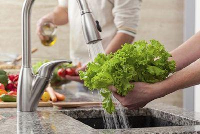 Những món ăn nguy cơ nhiễm sán cao bà nội trợ nên biết - ảnh 1