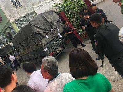 Hàng trăm cảnh sát mang súng triệt phá vụ vận chuyển 6 tạ ma túy tại Hà Tĩnh - ảnh 1
