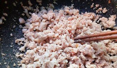 Cách nấu canh sấu thịt băm thơm ngon, giải nhiệt ngày nắng nóng - ảnh 1