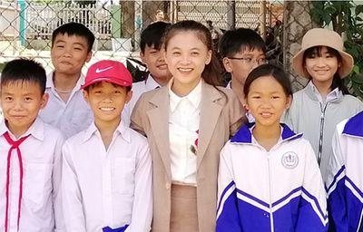 Hành trình 10 năm chiến đấu với ung thư giai đoạn cuối của cô giáo trẻ ở phố núi Pleiku - ảnh 1