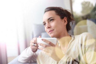 Mỗi ngày uống 2 cốc nước ấm vào thời điểm này, điều kỳ diệu sẽ xảy ra với cơ thể bạn - ảnh 1