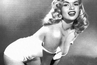"""Ngắm nhan sắc """"cực phẩm"""" của 10 phụ nữ đẹp nhất 100 năm qua khiến cánh mày râu điên đảo - ảnh 1"""