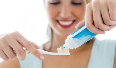 Những sai lầm cực kì tai hại khi đánh răng mà nhiều người Việt mắc phải - ảnh 1