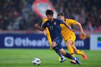 Thảm bại trước U23 Australia, U23 Thái Lan mất ngôi đầu bảng - ảnh 1
