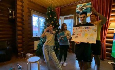 Yến Xuân lưu luyến tạm biệt gia đình Văn Lâm để trở về nước - ảnh 1