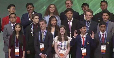 """Đầu năm trò chuyện với chàng sinh viên từ """"cánh tay giấy"""" đến giải quốc tế Khoa học kỹ thuật - ảnh 1"""