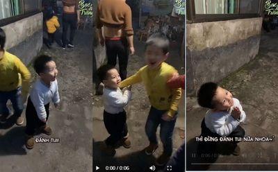"""Cậu bé gây sốt MXH với màn bảo vệ anh trai, câu nói """"tổ lái"""" phía sau khiến mọi người """"đứng hình"""" - ảnh 1"""