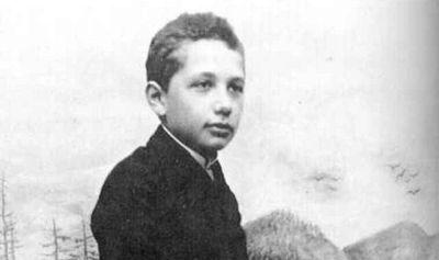 Điều ít biết về thiên tài Albert Einstein: Mắc chứng chậm nói, có con ngoài giá thú - ảnh 1