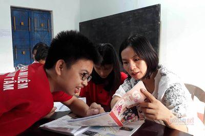 Cô giáo Quảng Trị gần 10 năm dạy tiếng Anh miễn phí cho học sinh nghèo - ảnh 1