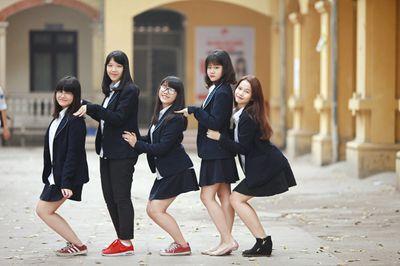 Cận cảnh 5 mẫu đồng phục đẹp như mơ của nữ sinh Hà Nội - ảnh 1