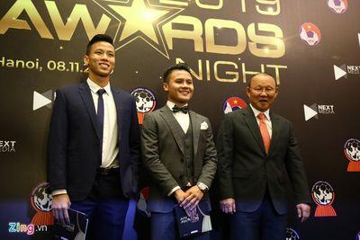Quang Hải ẵm giải cầu thủ xuất sắc nhất bóng đá Đông Nam Á 2019 - ảnh 1