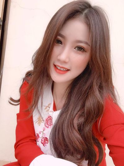 Nháo nhào truy tìm danh tính nữ CĐV xinh như thiên thần trong ngày U23 Việt Nam thắng đậm 4-0 - ảnh 1