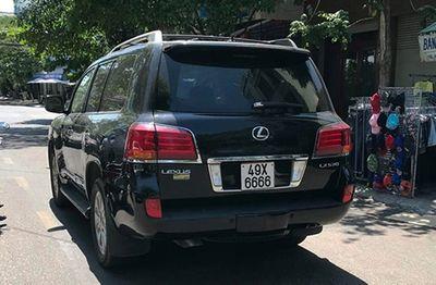 Vụ xe Lexus tông chết 4 người: Cấm xuất cảnh đối với tài xế - ảnh 1