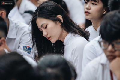Ngắm dàn nữ sinh Hà Nội xinh đẹp rạng rỡ trong mùa bế giảng 2019 - ảnh 1
