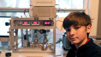 Cậu bé 12 tuổi khiến người lớn choáng vàng vì tự tay chế lò phản ứng hạt nhân tại nhà - ảnh 1