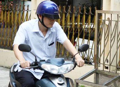 """Gian lận thi cử Hà Giang: Tiết lộ về con lợn nhựa """"bí ẩn"""" màu xanh bị vỡ lưng - ảnh 1"""