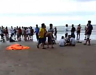 Đuối nước tập thể khi tắm biển ở La Gi: Mở rộng phạm vi tìm kiếm 2 du khách - ảnh 1