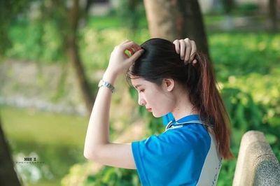 Nữ sinh Bách khoa gây sốt với vẻ đẹp mong manh tựa thiên thần dù chỉ mặc đồng phục thể dục - ảnh 1