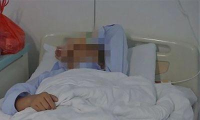Cho bà bầu xuống xe cửa trước, tài xế xe buýt bị đánh đến bất tỉnh  - ảnh 1