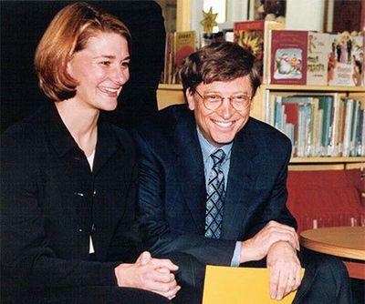 Tiết lộ điều bất ngờ tỷ phú Bill Gates làm với vợ trước khi kết hôn, 25 năm sau vẫn hạnh phúc - ảnh 1
