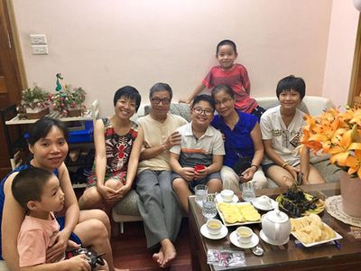 Sang nhà ông nội chơi, con trai Thảo Vân được tặng món quà quý giá mà Công Lý từng xin nhưng không được - ảnh 1