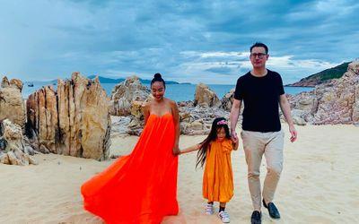 Con gái Đoan Trang gây sốt bởi vẻ đẹp lai Tây cùng khả năng nói tiếng Anh cực đỉnh - ảnh 1