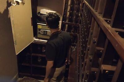 """""""Sinh tử"""" tập 80: Bằng chứng quan trọng trong hầm rượu """"phản bội"""" lại Trần Bạt - ảnh 1"""