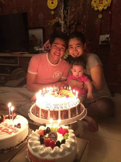 Hé lộ bức hình gia đình hạnh phúc hiếm hoi của cố nghệ sĩ Mai Phương và Phùng Ngọc Huy - ảnh 1