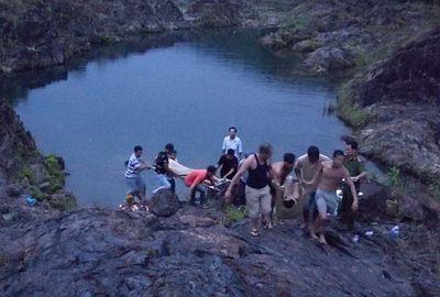 Xót xa 2 em học sinh cuối cấp tắm hồ đuối nước thương tâm - ảnh 1