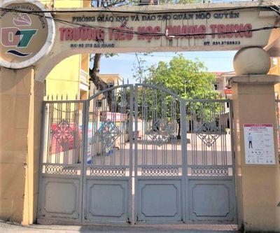 Vụ học sinh đi học sớm bị đứng ngoài cổng trường: Sở GD-ĐT Hải Phòng chỉ đạo nóng - ảnh 1