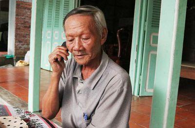 Kỳ lạ người đàn ông ở Cần Thơ 24 năm bị câm, mù bất ngờ nói chuyện và sáng mắt - ảnh 1