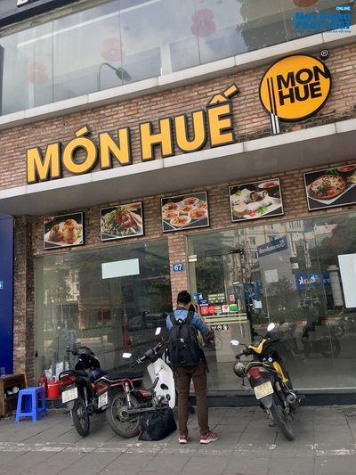Khung cảnh tan hoang tại chuỗi nhà hàng Món Huế ở Hà Nội trước thông tin trốn nợ  - ảnh 1