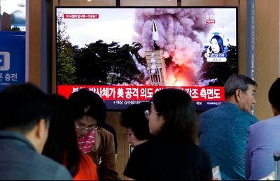 Phản ứng của Tổng thống Trump khi Triều Tiên xác nhận thử tên lửa đạn đạo  - ảnh 1