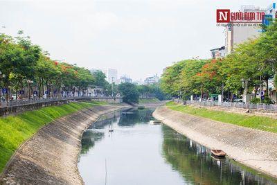 """Bơm nước sông Hồng """"cứu"""" sông Tô Lịch: """"Nếu bơm thì phải bơm liên tục, không tiền đâu mà rửa nổi"""" - ảnh 1"""